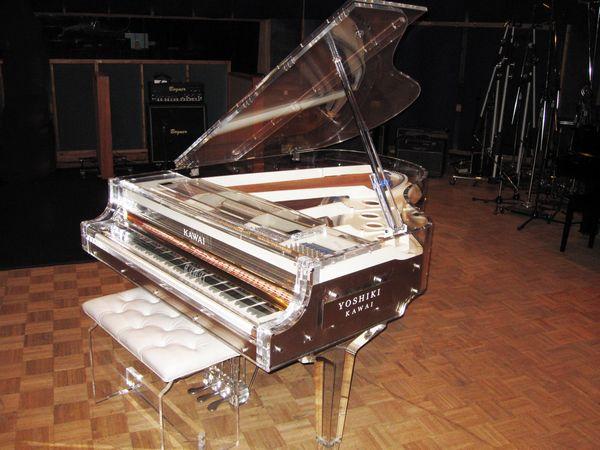 [チャリティ]Yoshiki Foundation America クリスタルピアノ